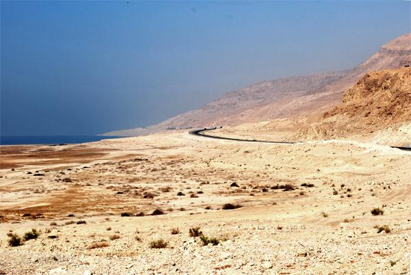 Strada lungo il Mar Morto