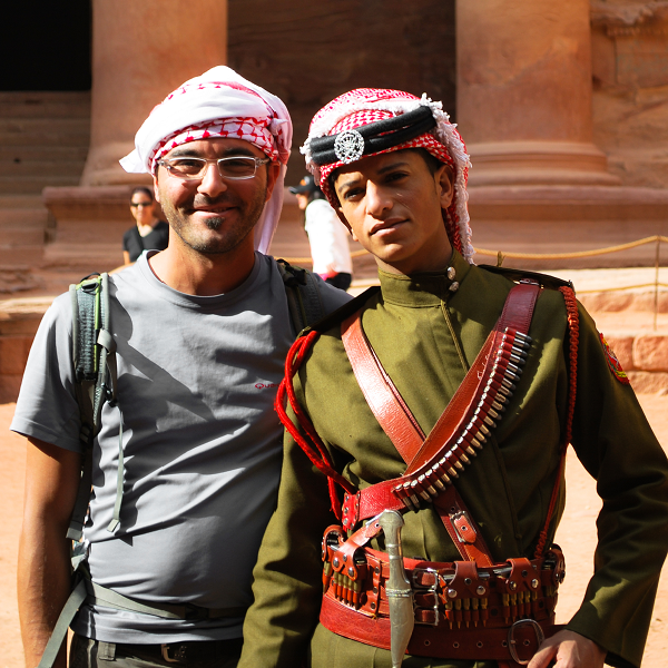 Petra, guardia in alta uniforme