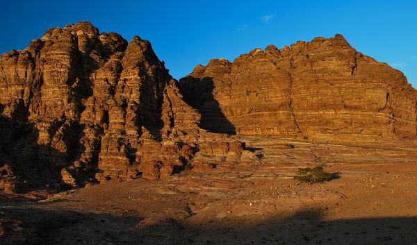 Petra, tramonto sulle montagne